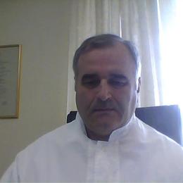Δρ. Βασίλειος Θεοχάρης
